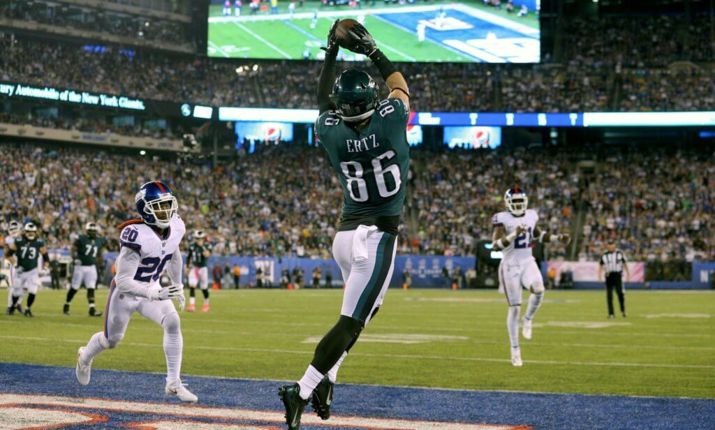 Zach Ertz scores a touchdown against the Giants