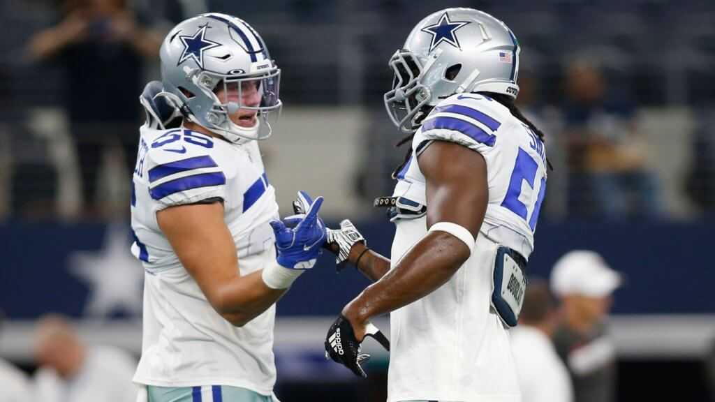 Dallas Cowboys middle linebacker Jaylon Smith and outside linebacker Leighton Vander Esch on the field before the game against the Tampa Bay Buccaneers | Week 1 IDP Report