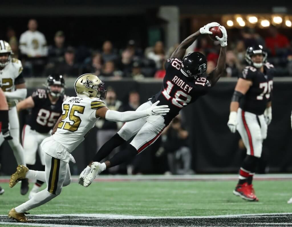 Calvin Ridley makes a catch against the Saints.